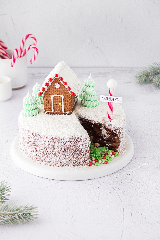 Naked Cake Winter Wonderland Surprise Inside